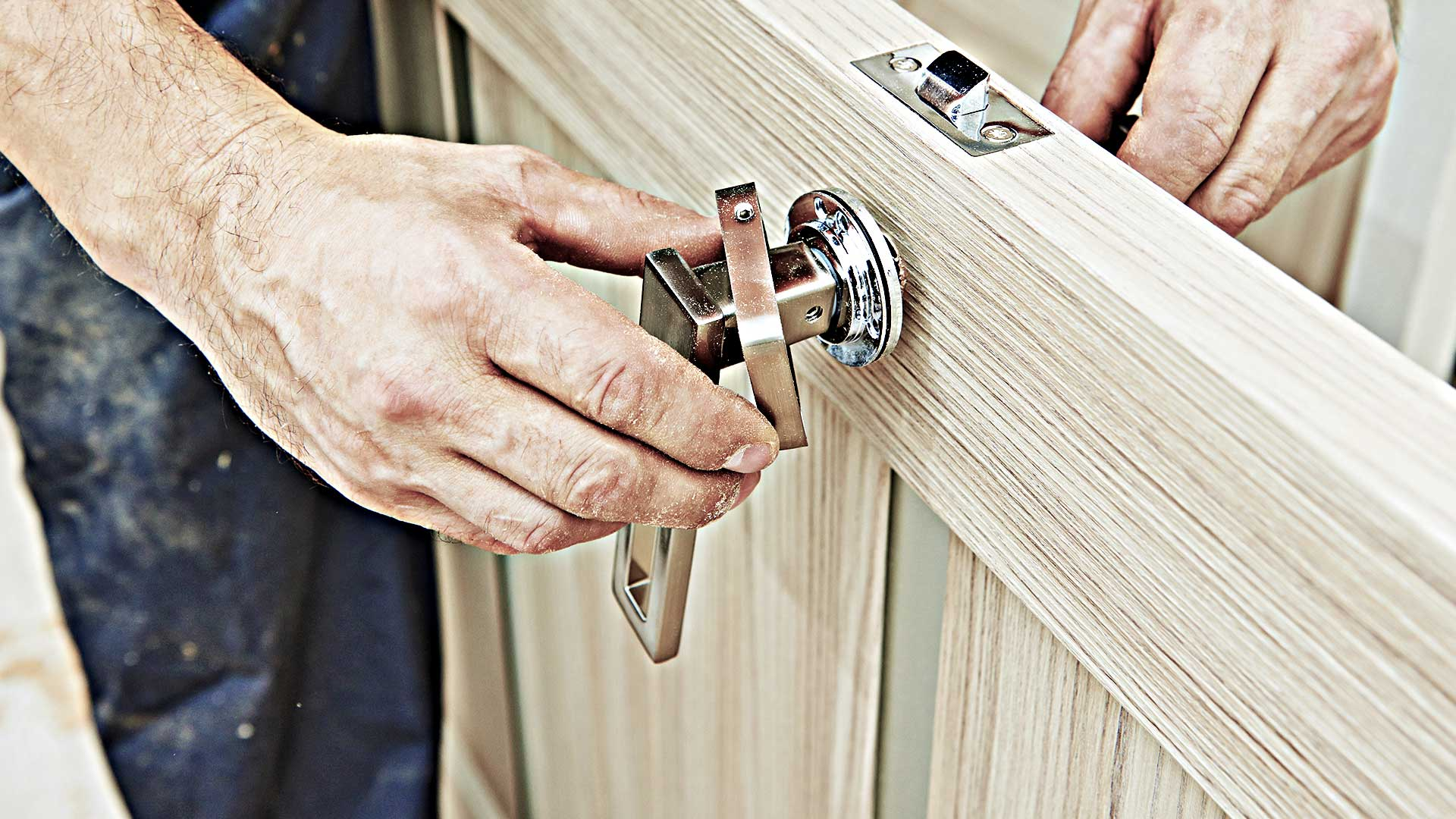 Fixing lock and handle on door